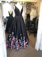 Gino Cerruti Black Evening/Wedding Dress Size 12 Plunge Neckline