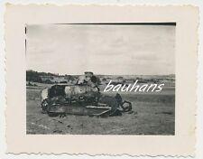 Foto Frankreich abgeschossener französischer Panzer)   2.WK  (a81)