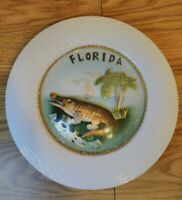 "Florida 3D Alligator 10"" Plate. Glass bobble in middle of plate with Alligator."
