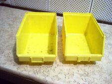 27 Bacs de rangement Bleu  et jaune en plastique -