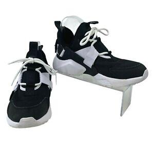 Nike Air Huarache Sneakers Women's Size 8 Low Black White Athletic Fashion Shoes