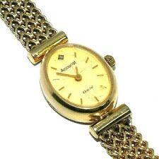 Ladies/womens 9ct yellow gold stylish Accurist wristwatch set with a diamond
