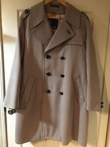 Men's Misty Harbor Winter Overcoat / Trench Coat, 42 Regular, Removable Lining