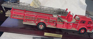 Franklin Mint 1/32 The American Lafrance Series 700 Fire Engine Truck Die-Cast