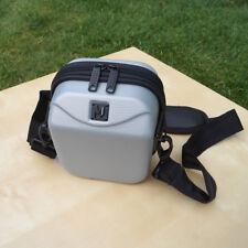 Foto de tapa dura caso gris/Pequeño bolso de hombro diseñado por Landor & Hawa Intl