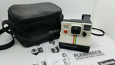 POLAROID 1000 SUPERCOLOR WITH CASE INSTANT CAMERA. SX70 FILM COMPATIBLE. TESTED