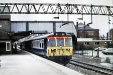 PHOTO  1987 CLASS 310 NO 310058 AT STAFFORD RAILWAY STATION A CLASS 310 ELECTRIC