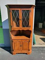 58483  Solid Maple ETHAN ALLEN American Traditional Corner Cabinet Hutch Curio