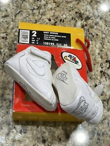 INFANT GIRLS 2 NIKE BABY SWOOSH CRIB SHOES ATHLETIC FOOTWEAR NEW WHITE SILVER
