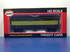 """HO Scale 40' """"Canadian National Express"""" 10600 Freight Train Box Car / Upgraded"""