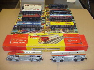 Lot Of 10 Vintage ATHEARN HO Train Cars Tankers Reefer Caboose Engine in Boxes