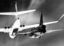 RAF HP Victor and Lightning refueling in flight  - 6 x 4 BW Print