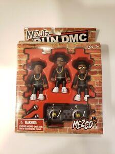 RUN DMC - Hip Hop Rappers Mez-itz MEZCO Moveable Figures 2002 DESIGN Box damaged