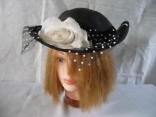 vintage* CHAPEAU élégant en  fibre noire fleurs blanche en soie
