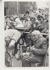 The Queen has a word with 107yr old Mr. Stan Day 3/23/77-Press Photo