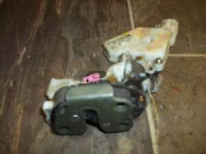1995 96 97 98 99 Nissan Maxima Infiniti I30 Right Rear Door Latch Lock Actuator
