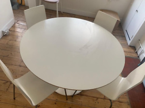 Dining room table with set of 4 chairs