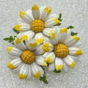 Vintage DAISIES FLOWER BROOCH Pin Enamel Daisy Gold Tone Costume Jewelry