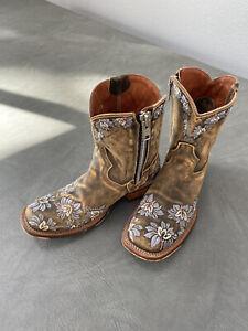 Sundance Catalog Dan Post Violetta Cowboy Boots Women Embroidered Floral 7.5 EUC