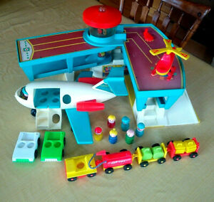 Vintage Fisher Price Little People 996 Play Family Airport -Wood People