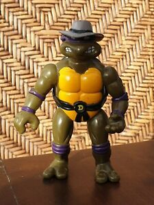 TMNT Super RARE 1994 Undercover Donatello. Missing CLOTH trench coat & access.