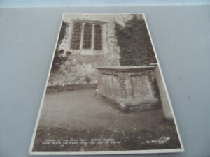 Stoke Poges Church GRAY'S GRAVE  PHOTO  WALTER SCOTT  POSTCARD VINTAGE GOOD COND