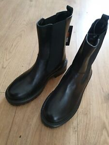 Ladies M& S  Black pull on Leather Boots Uk Size 3.5