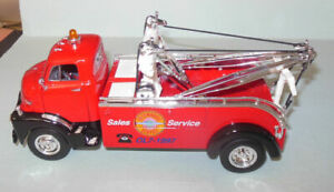 SUPERIOR GMC WRECKER 1952  1/34 SCALE DIECAST