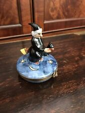 Peint Main Limoges France Witch On Broom Cat Halloween Box