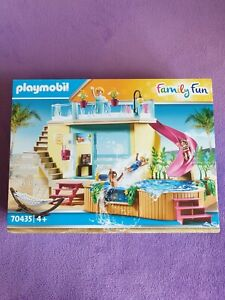 PLAYMOBIL 70435 BUNGALOW WITH POOL. SUITABLE FOR AGES 4 YEARS & OVER