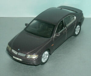 1/43 Scale 2001 BMW 745i Diecast Model Car (7 Series E65 Saloon ) Welly 9763
