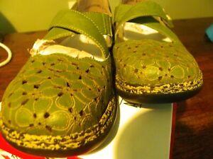 Brand new green leather Rieker sandals/ summer shoes size eu 38/ 6