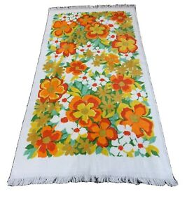 Beautiful Vintage 1960s Pequot Orange Red Yellow Green Floral Bath Towel Cotton