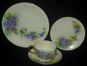FAVORITE BAVARIA HAND PAINTED FOUR PIECE CUP SAUCER PLATE SET LAVENDER DAISIES