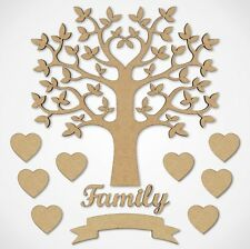 """Arbre """"Family"""" en bois + 8 cœurs + mot Family + une bannière"""
