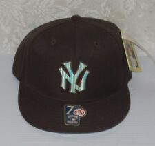 NEW* COOPERSTOWN COLLECTION NY YANKEES Fitted Cap Hat BROWN -STRIPPED LOGO 7 1/2