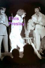 ELVIS PRESLEY IN INKA SUIT CHAMPAIGN IL 10/22/76 CONCERT TOUR PHOTO CANDID
