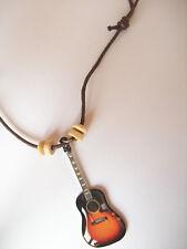 Collier avec Pendentif guitare acoustique sunburst John Lennon - The Beatles