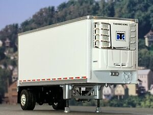 1/64 DCP WHITE 28' WABASH THERMO KING REEFER PUP TRAILER