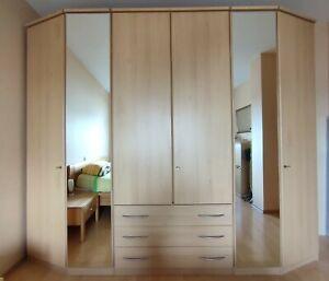 Kleiderschrank mit Spiegel Buche-Nachbildung (Fa. Nolte)