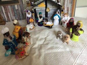 HAND KNIT LARGE NATIVITY SET SO DIFFERENT - 16 FIGURES CAREFULLY DESIGNED/MADE