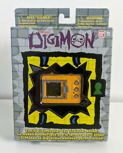 Bandai 20th Anniversary Digimon Tamagotchi Yellow **Fast Postage**