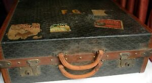 Malles Goyard Steamer Trunk Suitcase 1920s shoes excellent Film or Theatre prop
