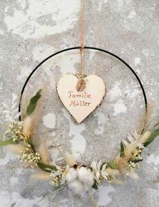 Flower Hoop Metallring schwarz mit Holzherz Namen Wandkranz Hochzeitsgeschenk