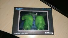 "Alien vs Predator 3"" Glow In The Dark Figures TITANS Vinyl Exclusive Twin Pack"
