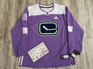 NWT Vancouver Canucks Hockey Fights Cancer Adidas Authentic Hockey Jersey Men 54