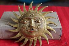 Golden Estilo Antiguo De Bronce Sol cara Adorno Sol Máscara Colgante De Pared Buda Placa