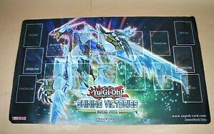 Yu-Gi-Oh!   PLAYMAT SHINING VICTORIES   60x35cm   Spielmatte   Super Zustand