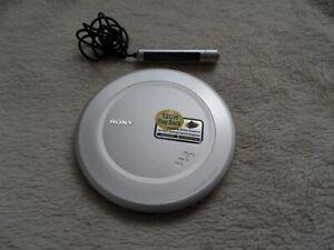 Sony Walkman D-EJ985 Personal CD Player