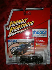 JOHNNY LIGHTNING  MOPAR OR NO CAR 1999 DODGE VIPER GTS #28